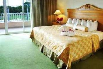 Embassy Suites by Hilton Los Marlins - Hotel & Golf Resort