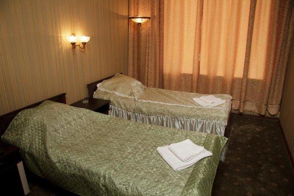 Holiday Hotel - фото 2