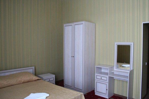 Holiday Hotel - фото 8