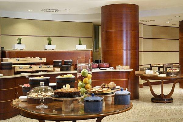 UNA Hotel Cusani - фото 12