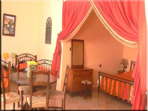 Hotel Hacienda - фото 1