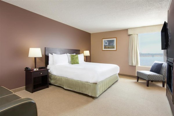 Howard Johnson Inn and Suites Miramichi - фото 4