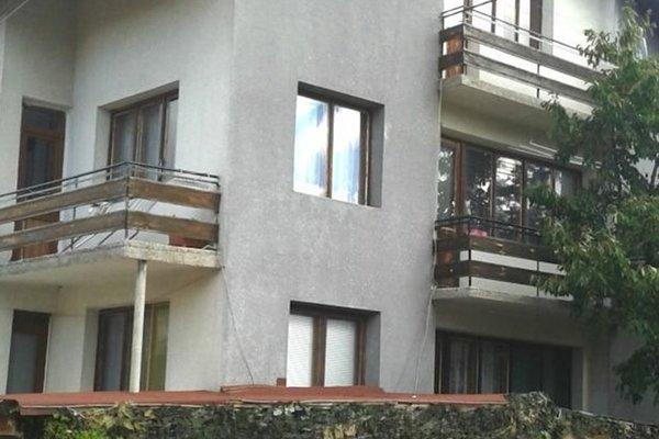 Topuzovi Guest House - фото 1