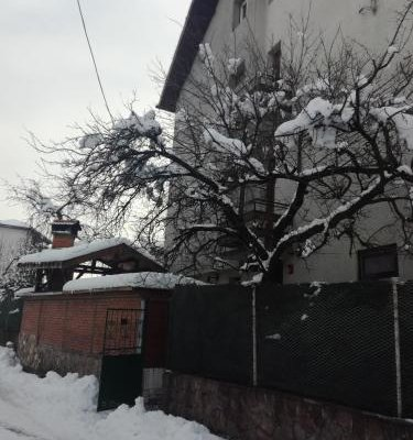 Topuzovi Guest House - фото 6