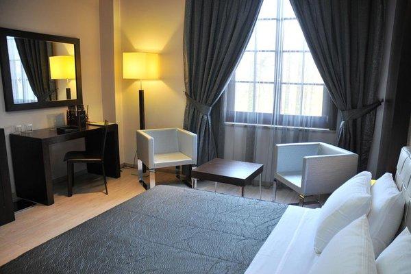 MonarC Hotel - фото 1