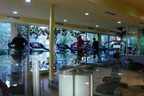 VILLA PARK HOTEL, TIRANA - фото 4
