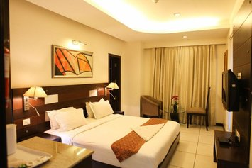 Hotel Golf View Suites