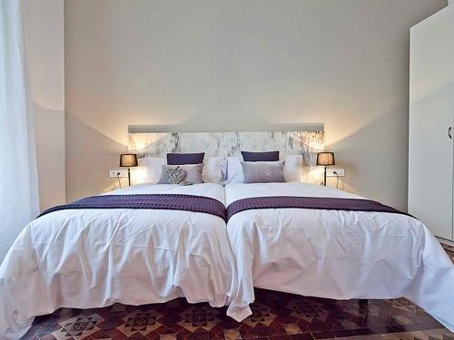 Apartments Barcelona & Home Deco Centro - фото 4