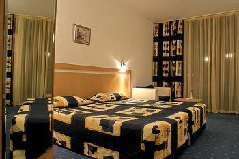 Aqua Azur Hotel - фото 4