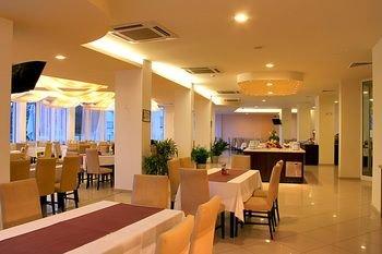 Aqua Azur Hotel - фото 9