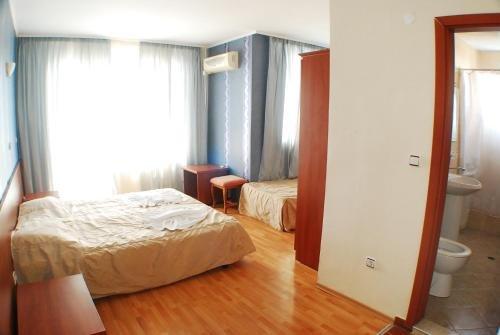 Lotos Hotel - фото 1