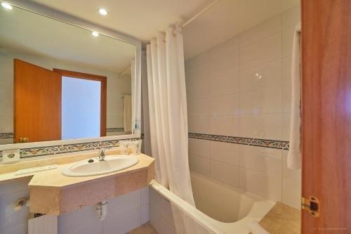 Hotel Cala Ferrera - фото 10