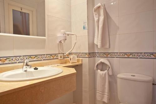 Hotel Cala Ferrera - фото 11