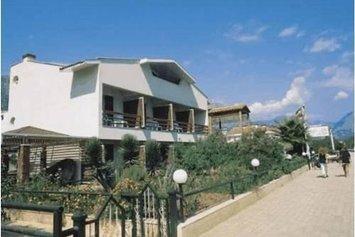 Feronia Hills Hotel