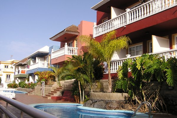 Roque Monica Apartamentos, Las Manchas