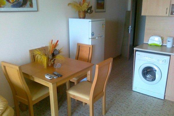 SB Rentals Apartments in Royal Dreams Complex - фото 11