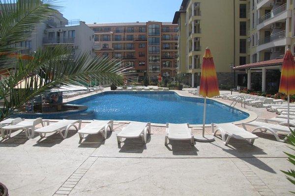 SB Rentals Apartments in Royal Dreams Complex - фото 18