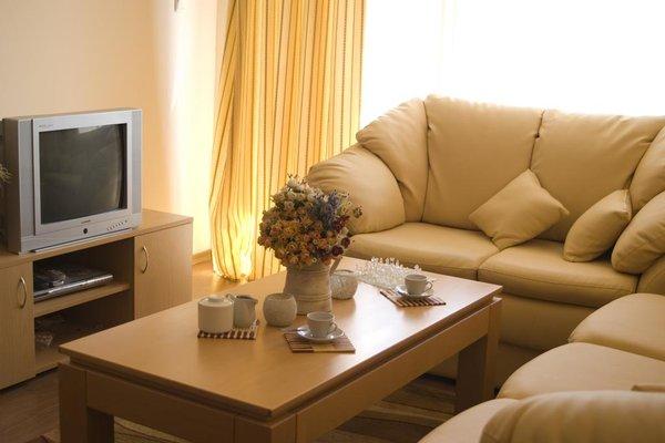 SB Rentals Apartments in Royal Dreams Complex - фото 5
