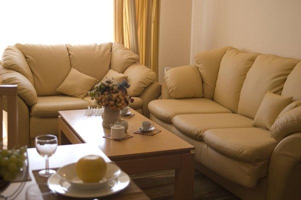 SB Rentals Apartments in Royal Dreams Complex - фото 6