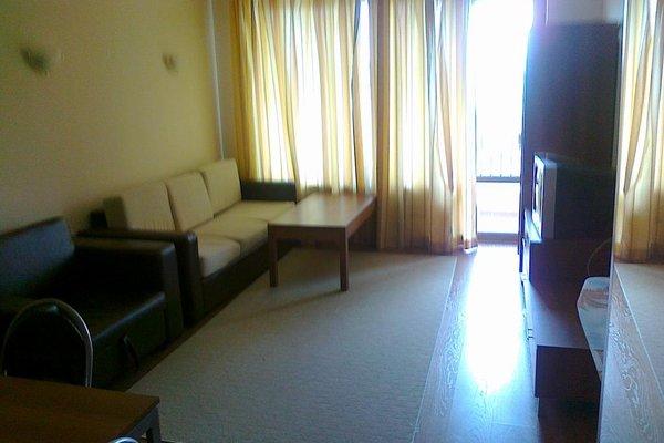 SB Rentals Apartments in Royal Dreams Complex - фото 7