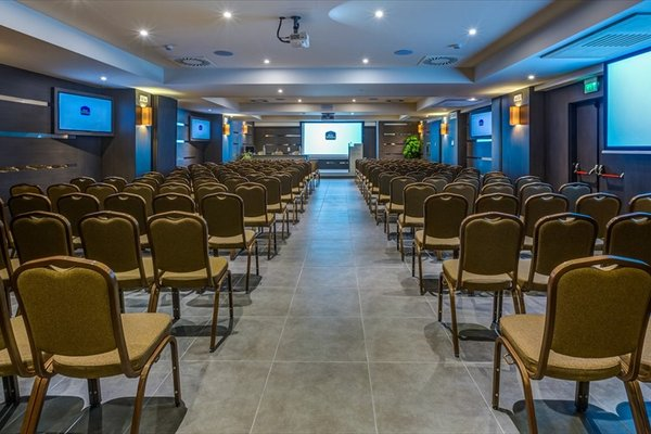Best Western Plus Hotel Perla Del Porto - фото 20