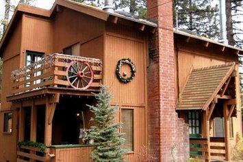 Majestic Moose Lodge - Coptic Village