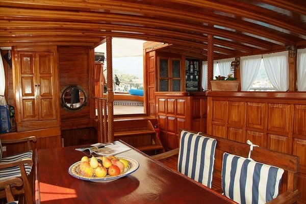 Boat and Breakfast - Mybubu - фото 4