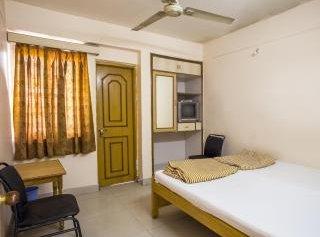 Hotel Rajdhani Plaza