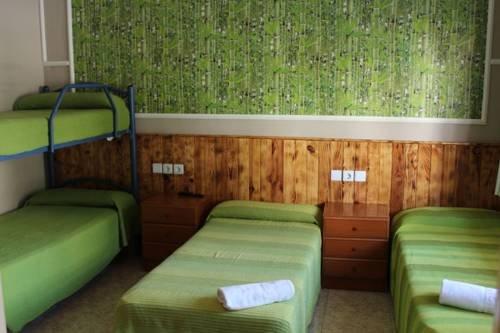 Hostal Isla Cristina Mataro - фото 7