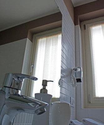 Vialeromadodici Rooms & Apartments - фото 16