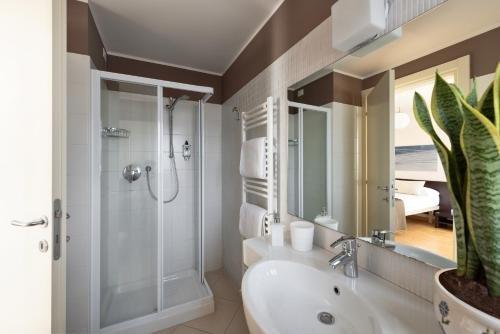 Vialeromadodici Rooms & Apartments - фото 8