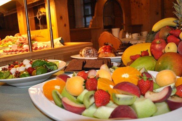 Lowen Hotel & Restaurant - фото 16