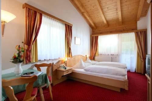 Alpenhotel Landhaus Kuchl - фото 2