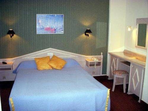 Гостиница «Restaurant Jeanne D'arc», Бурбон-Ле-Бен
