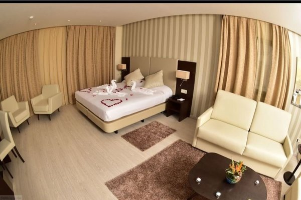 AZ Hotel Zeralda - фото 1