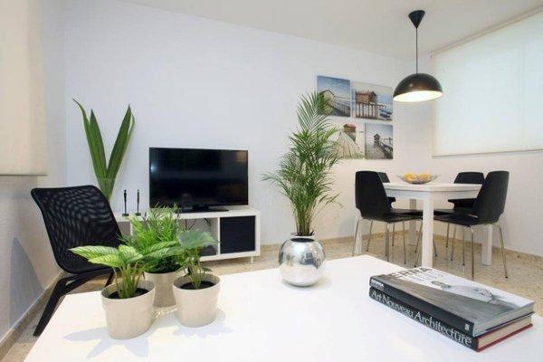 Poeta Llombart Apartments - фото 10