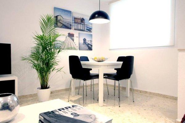 Poeta Llombart Apartments - фото 11