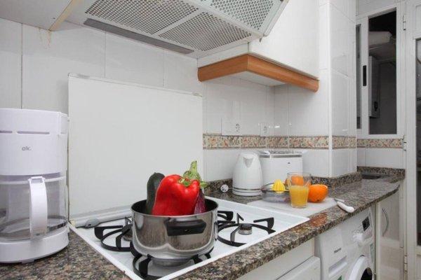 Poeta Llombart Apartments - фото 19