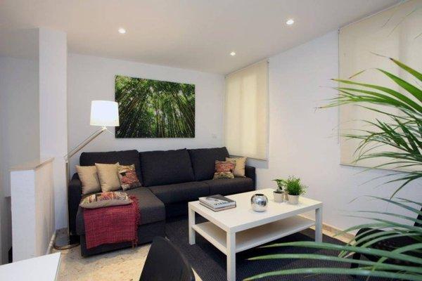 Poeta Llombart Apartments - фото 9
