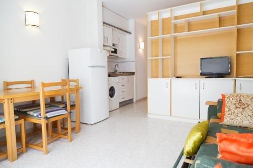 UHC Font de Mar Apartments - фото 10