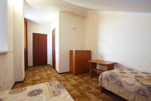 Alpen Hof Guest House - фото 2