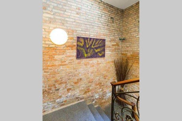 Golden Fish Apartment - фото 14