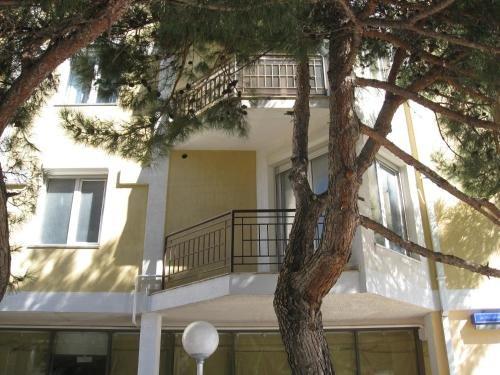 Lermontovsky Bulvar Apartments - фото 18