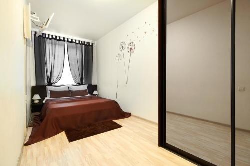PaulMarie Apartments on Karpovicha - фото 1