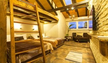 Penthouse Suites Apartments - фото 4