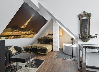 Penthouse Suites Apartments - фото 8