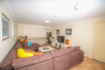 Absolute Beachfront Family Holiday Home - фото 18