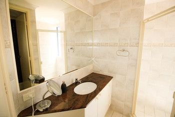 Absolute Beachfront Family Holiday Home - фото 22