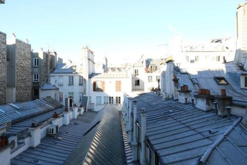 Marvellous Sunbathed 3BR at the heart of Paris - фото 1