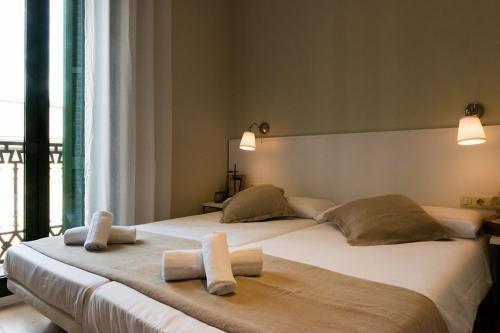 Four Petals Barcelona Boutique Apartments - фото 30